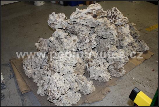Reef relief rock